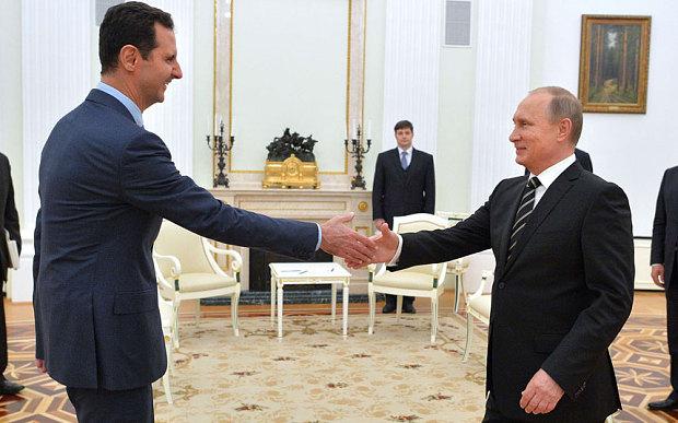 صورة الأسد يقوم بزيارة تفقدية لمكان إقامته كلاجئ سياسي