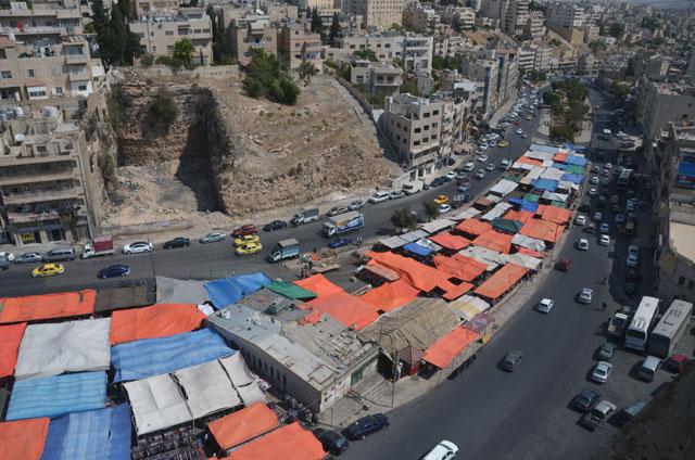صورة طرح عطاء لنقل سوق الخضار وسوق الجمعة إلى مكان الباص السريع