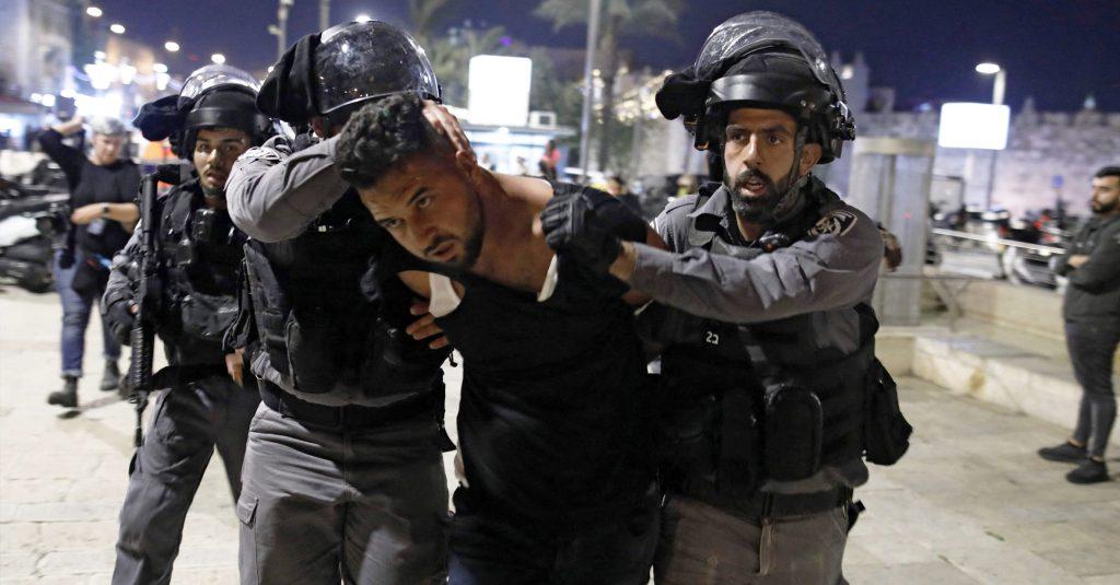 """صورة """"إسرائيل بالعربية"""" تُشارك صوراً من احتفالات الإسرائيليين بشهر رمضان المبارك مع أخوتهم الفلسطينيين"""
