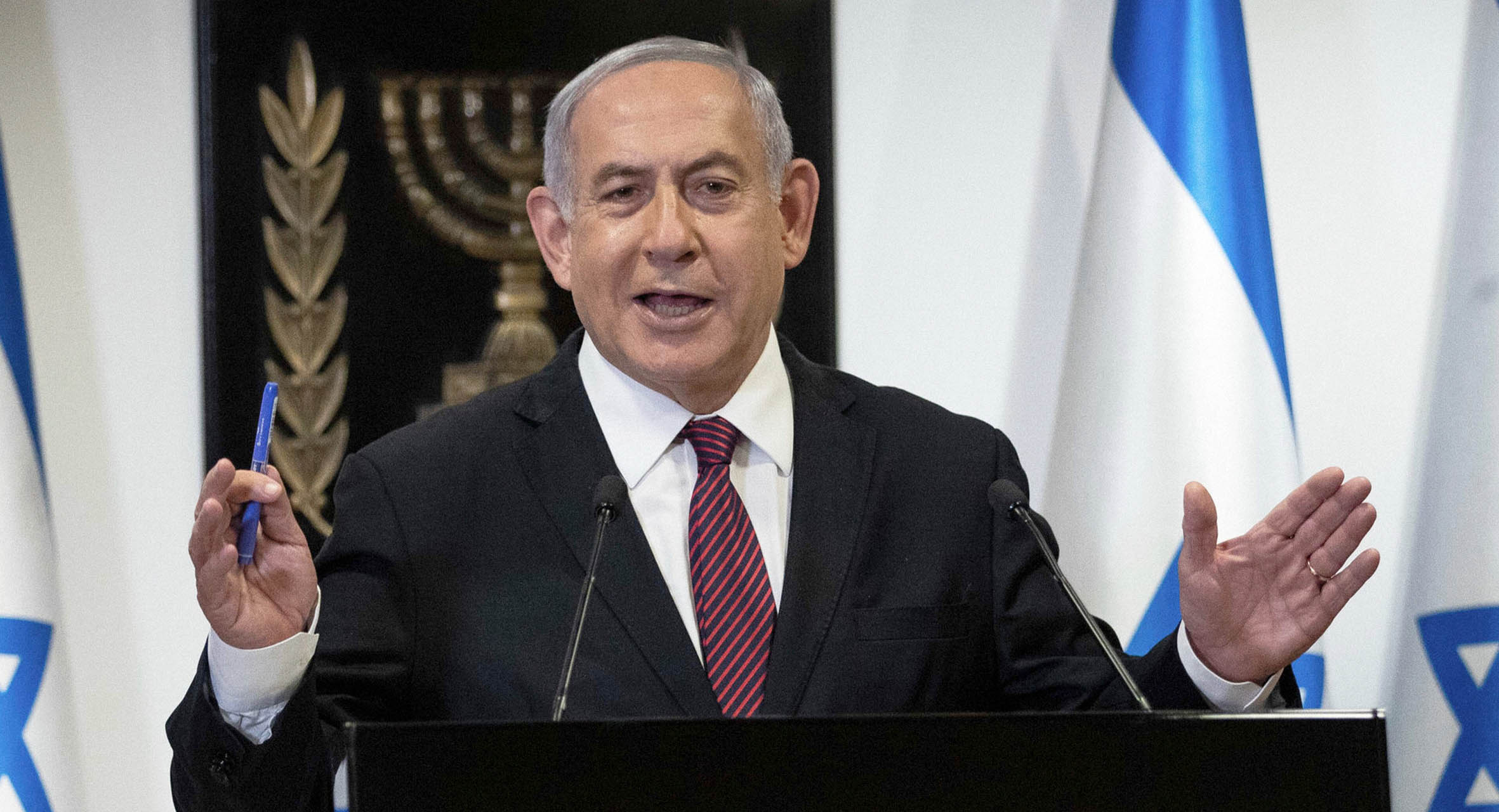 صورة نتنياهو يبدي تفاؤله بانقسام الشارع الإسرائيلي تجاه الانتخابات للاستمرار بإعادتها