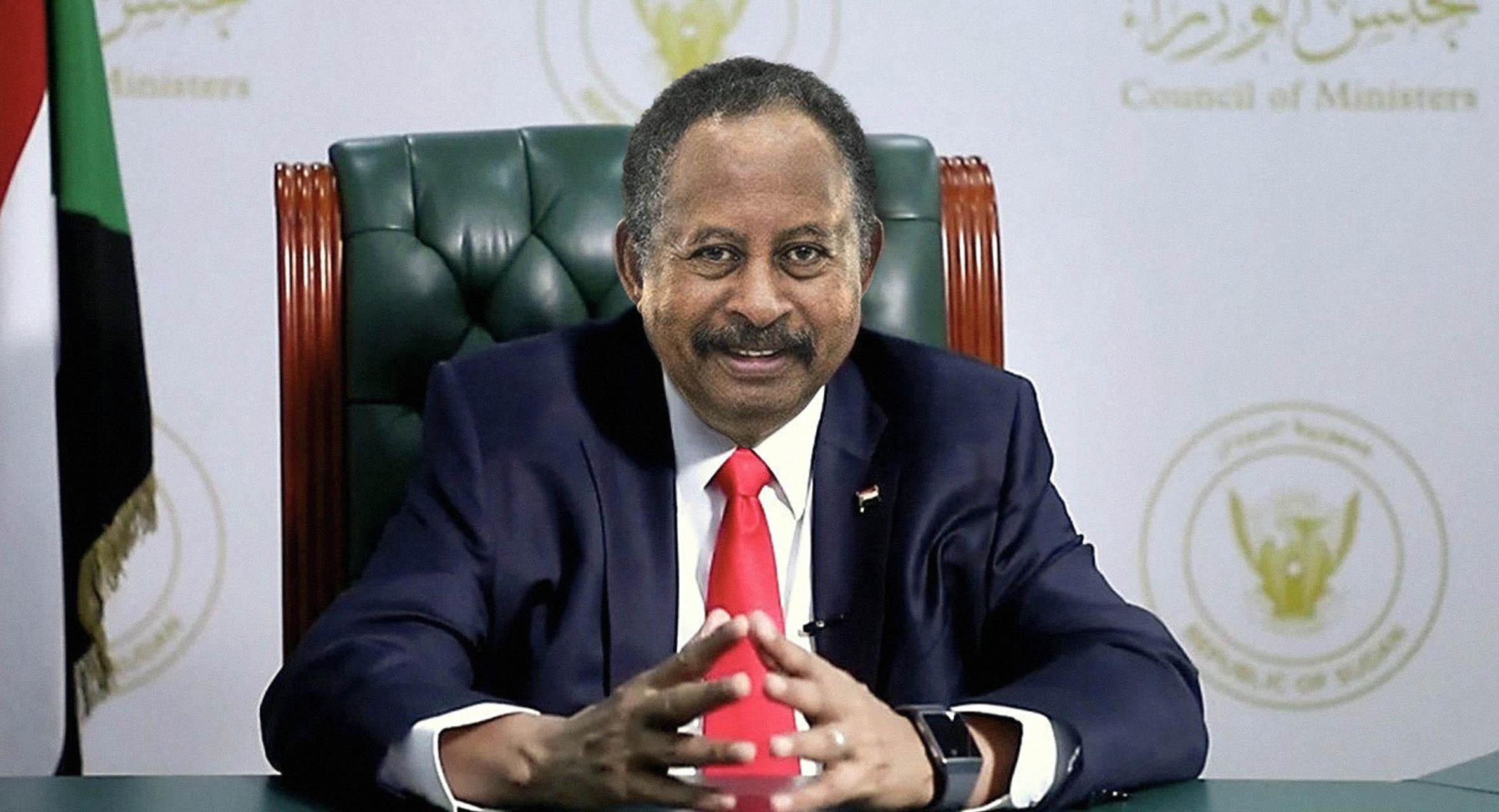 صورة رئيس الحكومة السوداني يشكّل حكومة انتقالية جديدة قادرة على تشكيل الحكومة الانتقالية التي ستليها بشكل أفضل