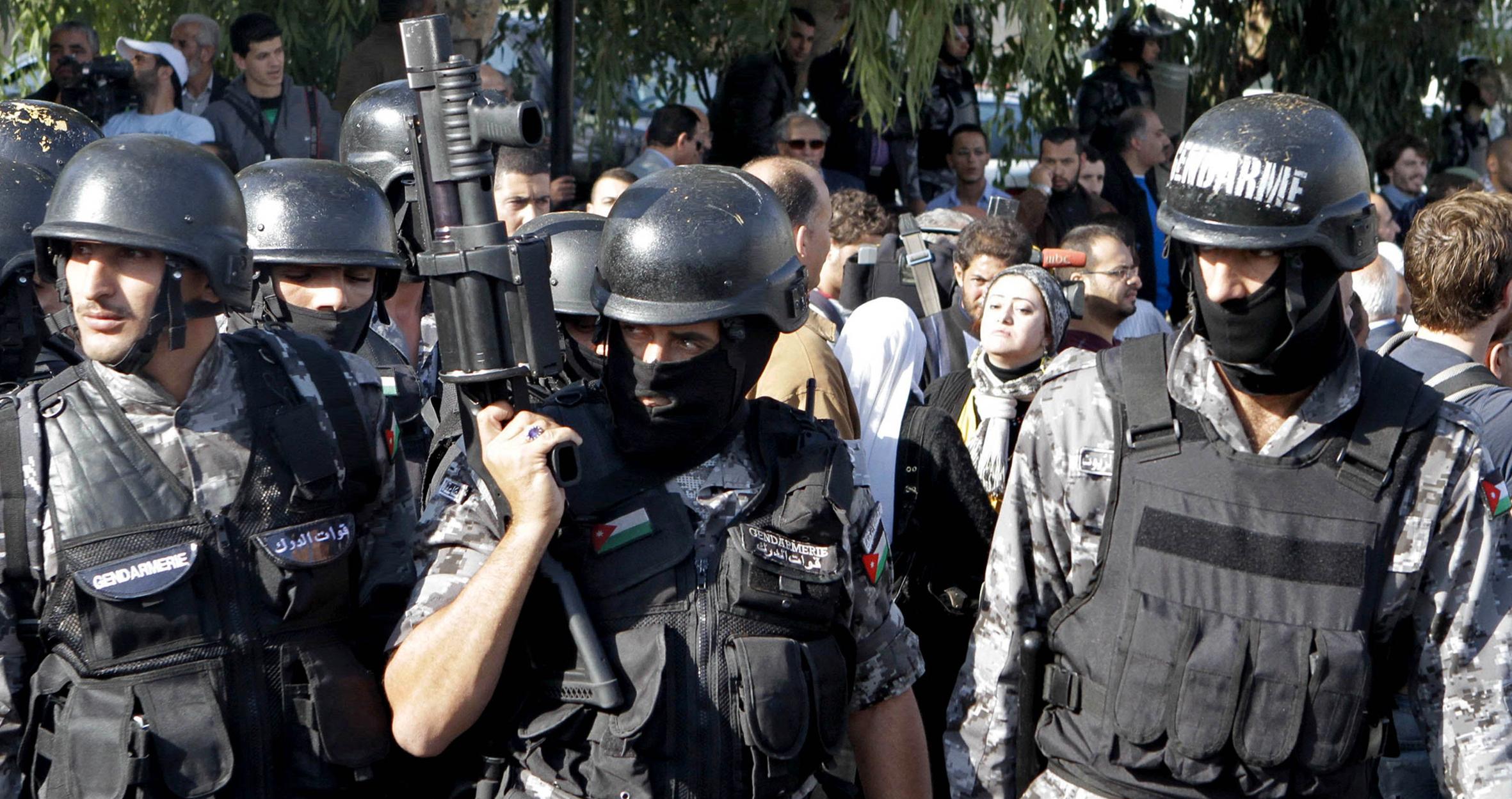 صورة السلطات الأردنية تتفاجأ بوقوع جريمة الزرقاء رغم اعتقالها كل المجرمين من معلمين ومعارضين وصحفيين