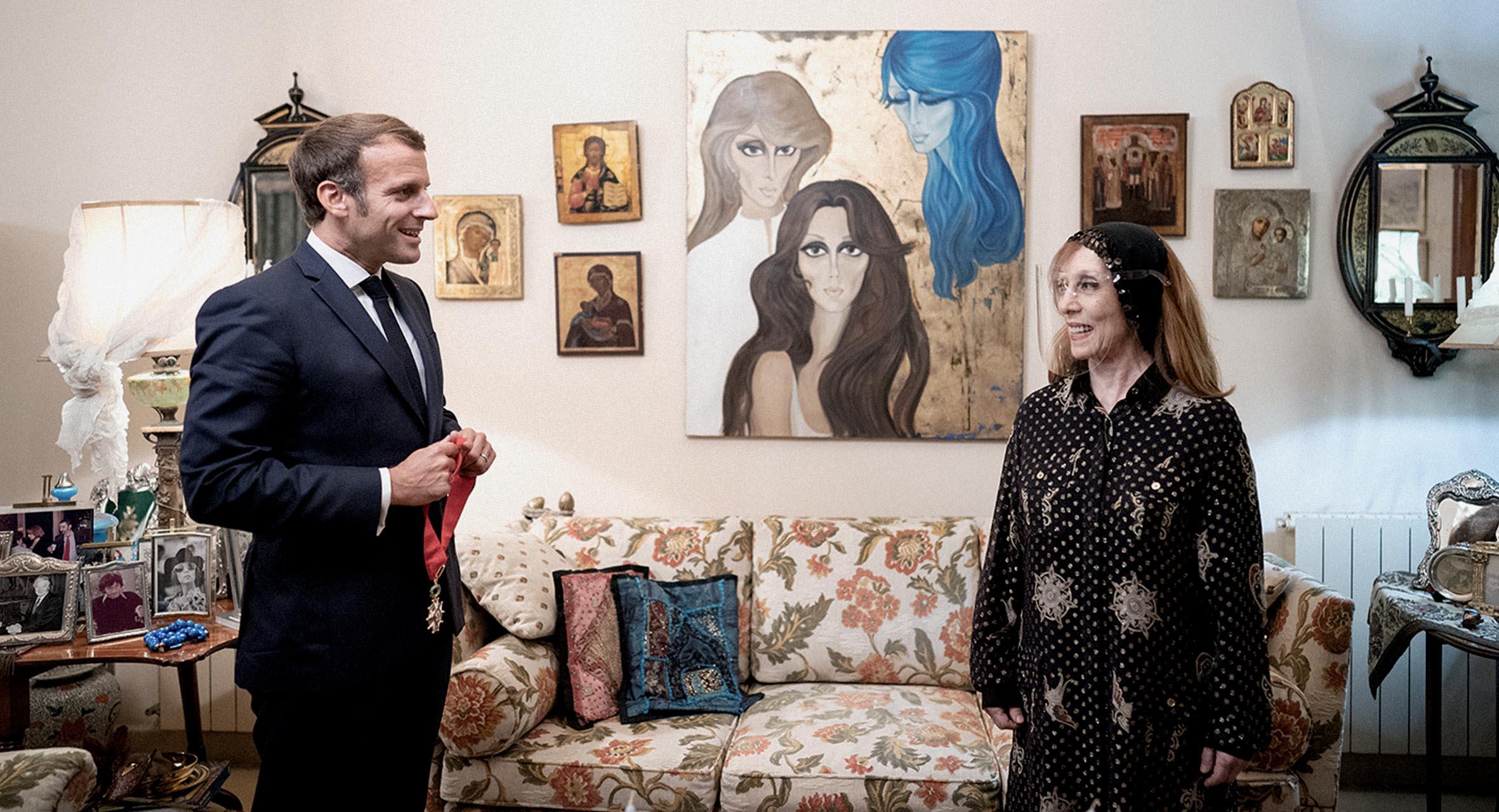 صورة مرشح رئاسة الجمهورية اللبنانية المستقل إيمانويل ماكرون يستهل حملته الانتخابية بزيارة فيروز