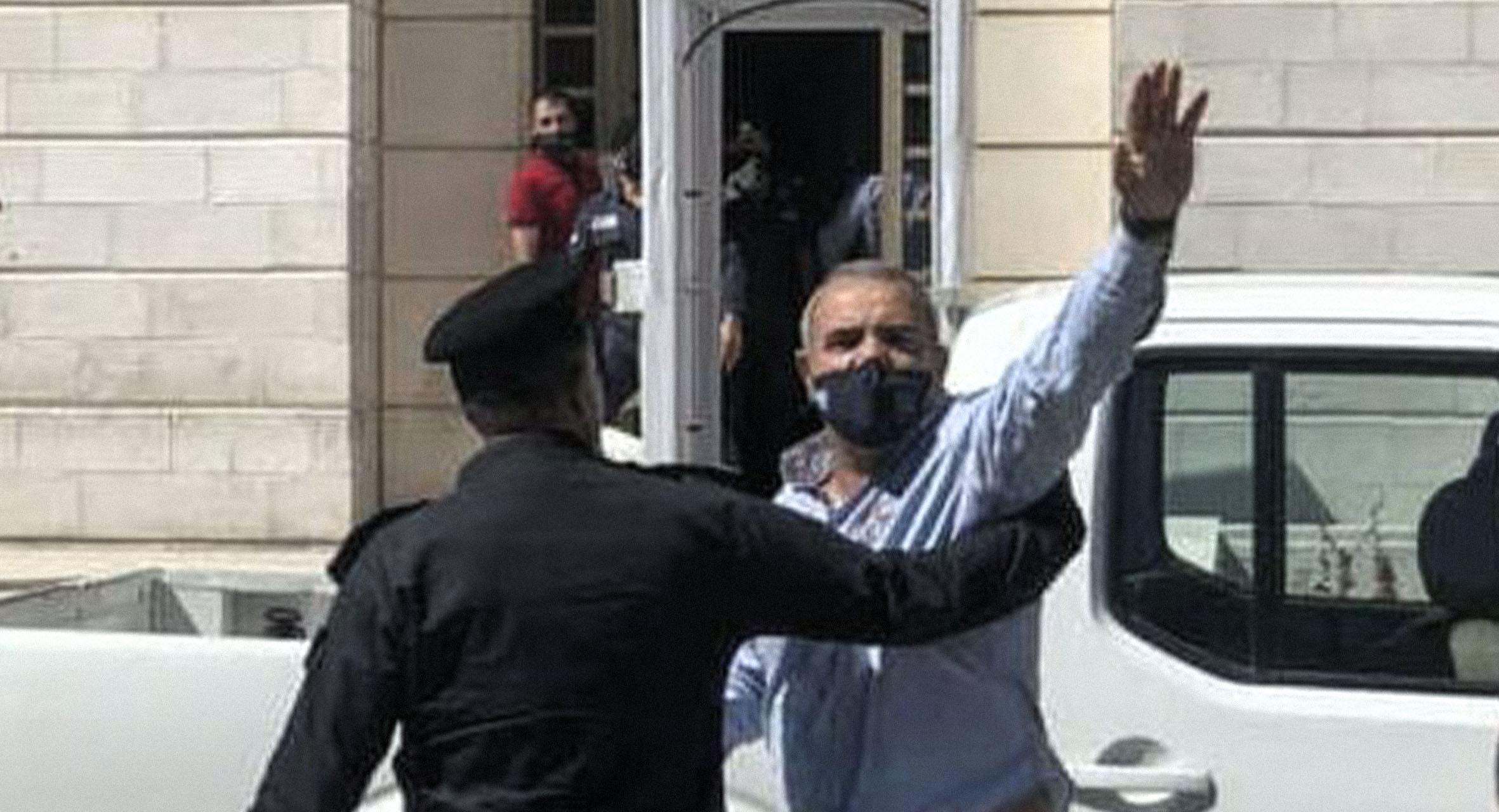 صورة السلطات الأردنية تعتقل كل من يخالف أمر الدفاع عن تطبيع الإمارات