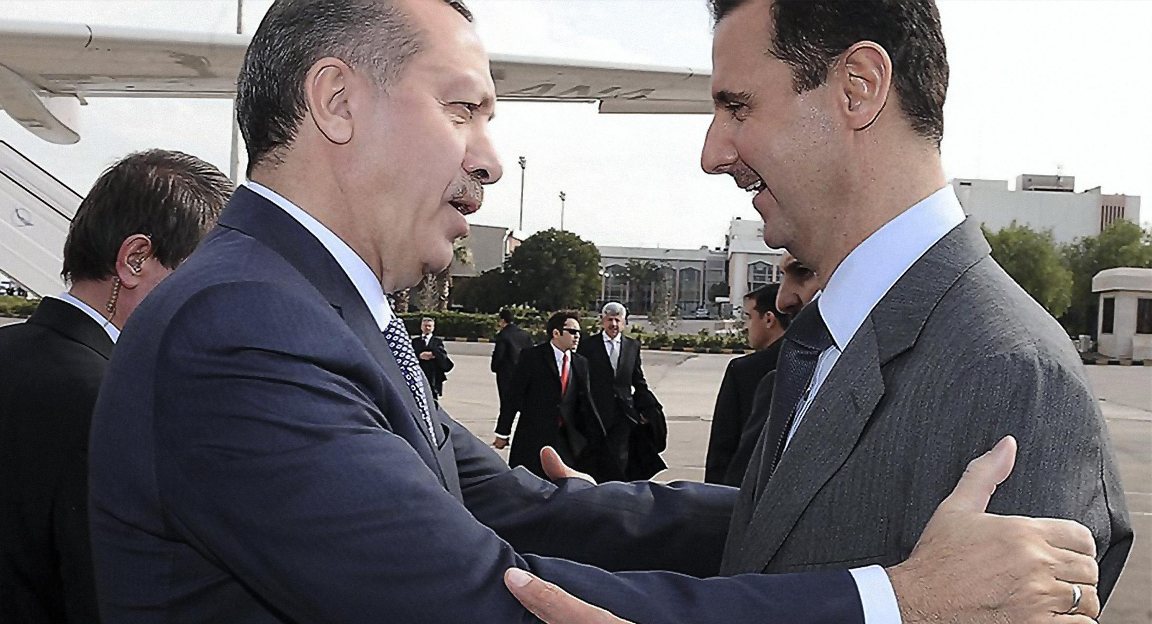 صورة إردوغان يطالب الأسد بأداء واجبه مثلما عهده والقضاء على اللاجئين قبل هروبهم إلى تركيا