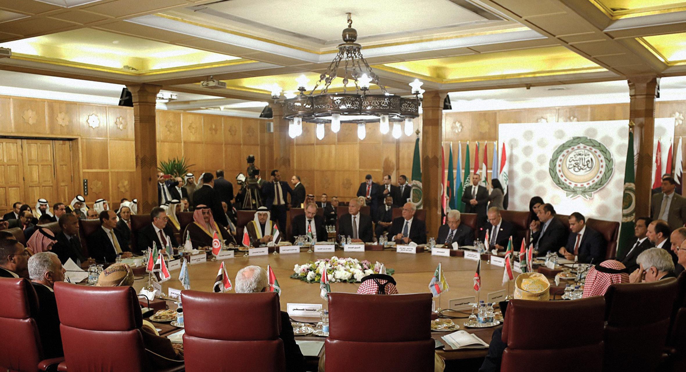 صورة دليل الحدود للقادة العرب: كيف تقنع شعبك بأنك ضد صفقة القرن وأنت موافق عليها