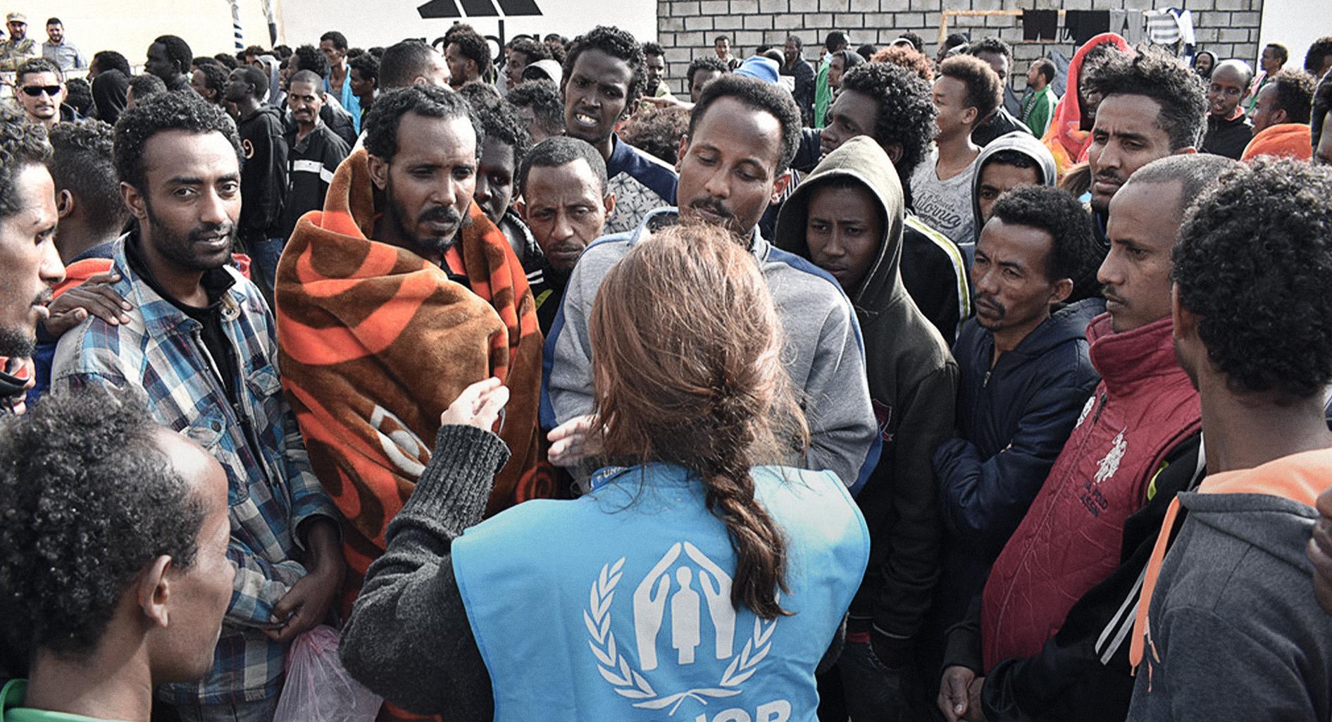 صورة الأمم المتحدة تجوِّع اللاجئين بمخيَّماتها في ليبيا لأنها لا تريد إعطاءهم سمكة بل دفعهم لتعلُّم الصيد في البحر الأبيض المتوسط