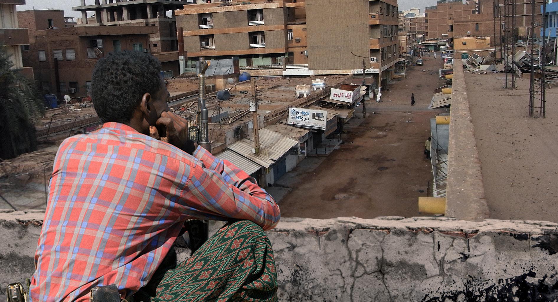 صورة المجلس العسكري السوداني يحظر التجول على المواطنين كي لا يضطر المجهولون على أسطح البنايات لقتلهم