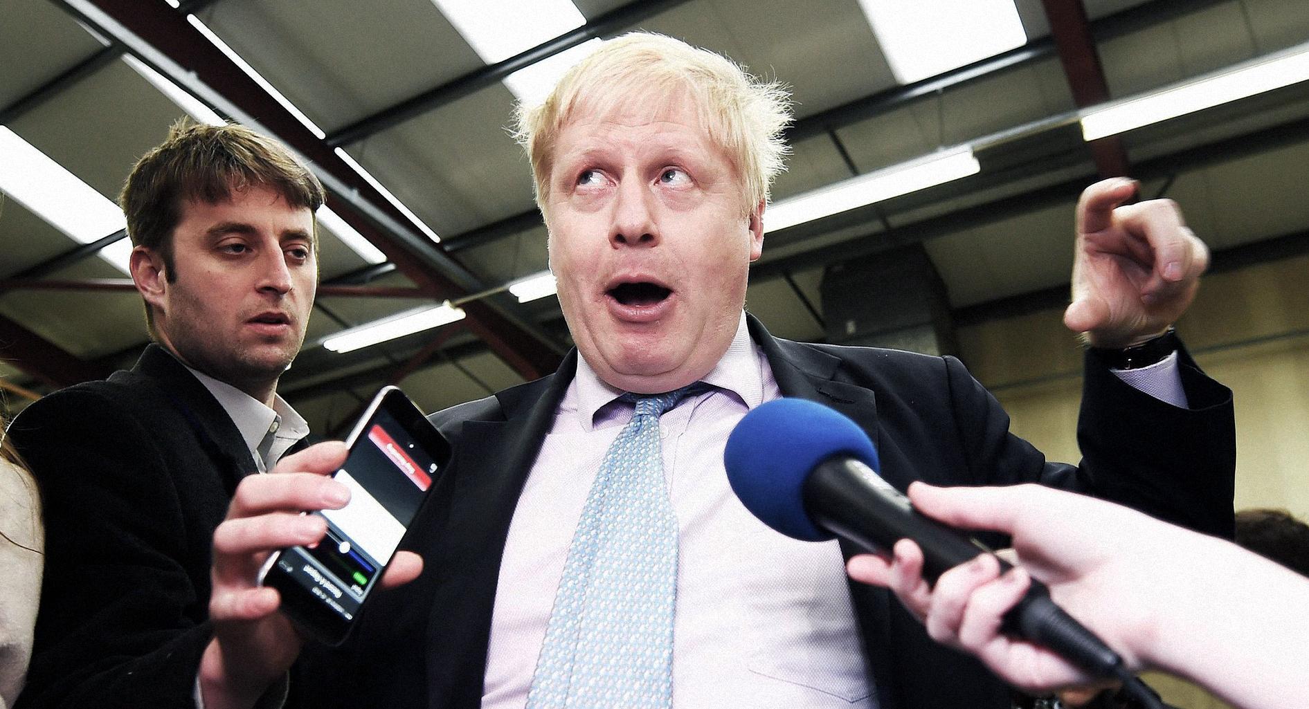صورة بريطانيا: تعيين صبي خفيف الظل رئيساً للوزراء خلال عطلته الصيفية