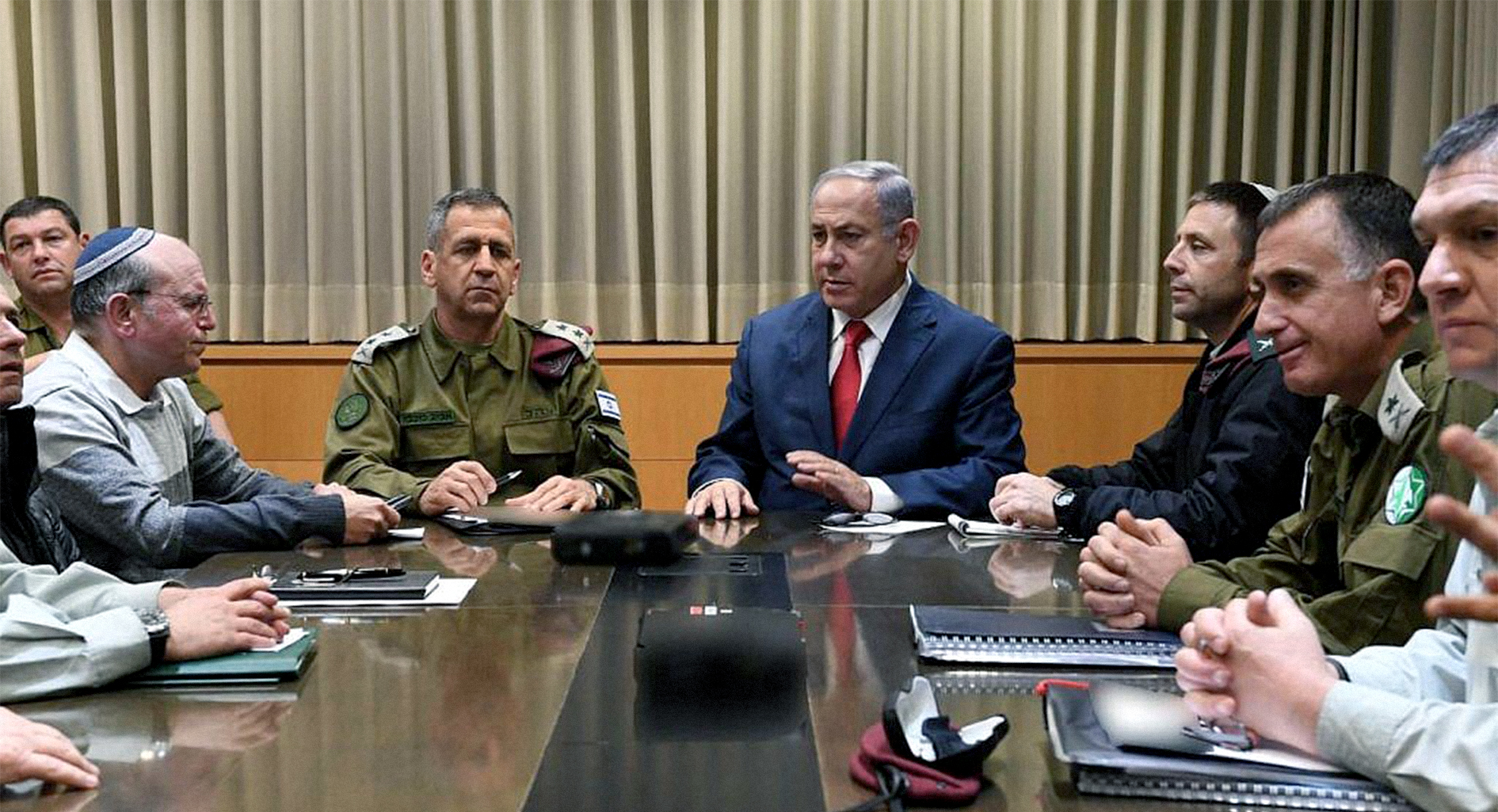 صورة إسرائيل تضطرُّ لوقف القصف على غزة مؤقتاً حتى لا يؤثر صوته على صوت مسابقة يوروفيجن