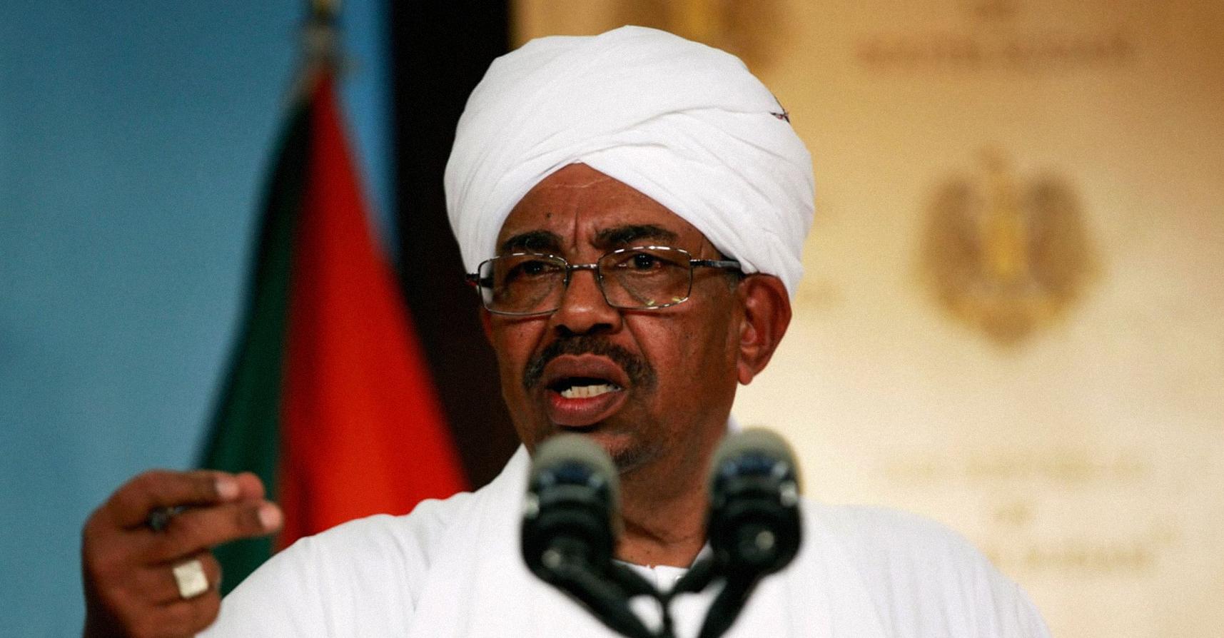 صورة البشير يُذكِّر المحتجِّين أن بامكانهم الاستقلال عن السودان إذا لم تعُد أوضاعهم تعجبهم