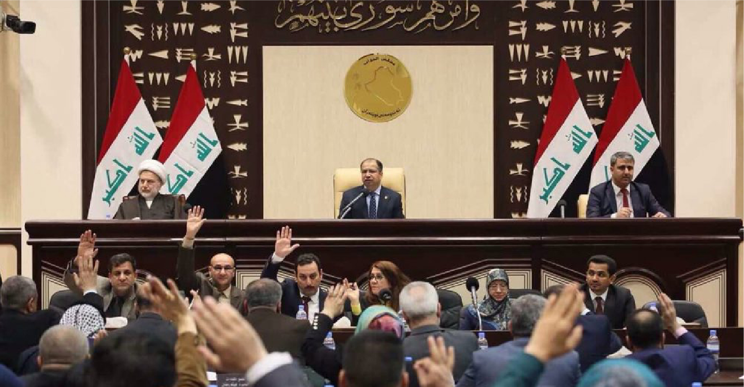 صورة نواب عراقيّون يتعهّدون باستبدال الأوراق المحروقة بأخرى عليها أسماء مرشحين أفضل