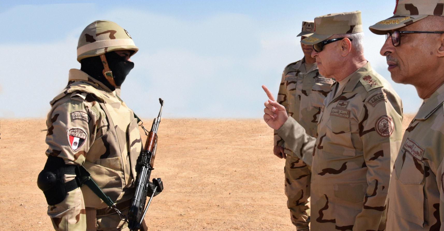 صورة الجيش المصري يدين إهدار جندي عشر رصاصات في رأس طفل واحد بدل استغلالها بقتل أطفال آخرين