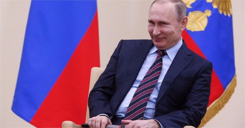 صورة بوتين يتبرّع بـ ٢٪ من الأصوات لمنافسيه في الانتخابات المقبلة دعماً للعملية الديمقراطية في البلاد