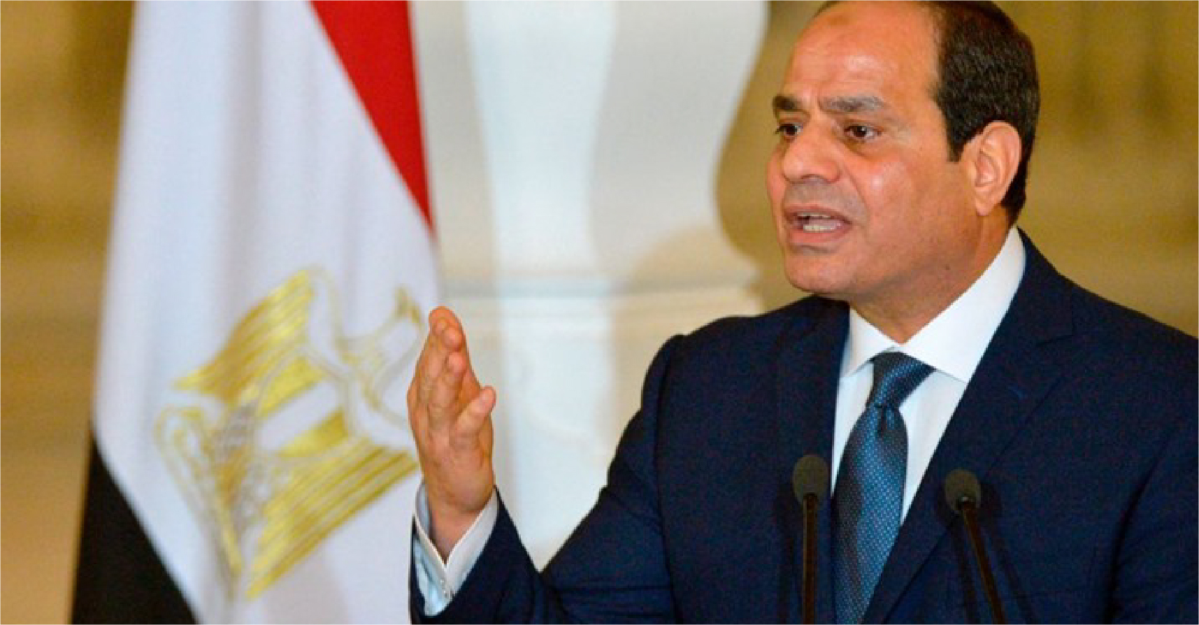 صورة السيسي يؤكّّد أنّّه يعتقل منافسيه على الرئاسة ليجنّبهم مرارة الخسارة أمامه