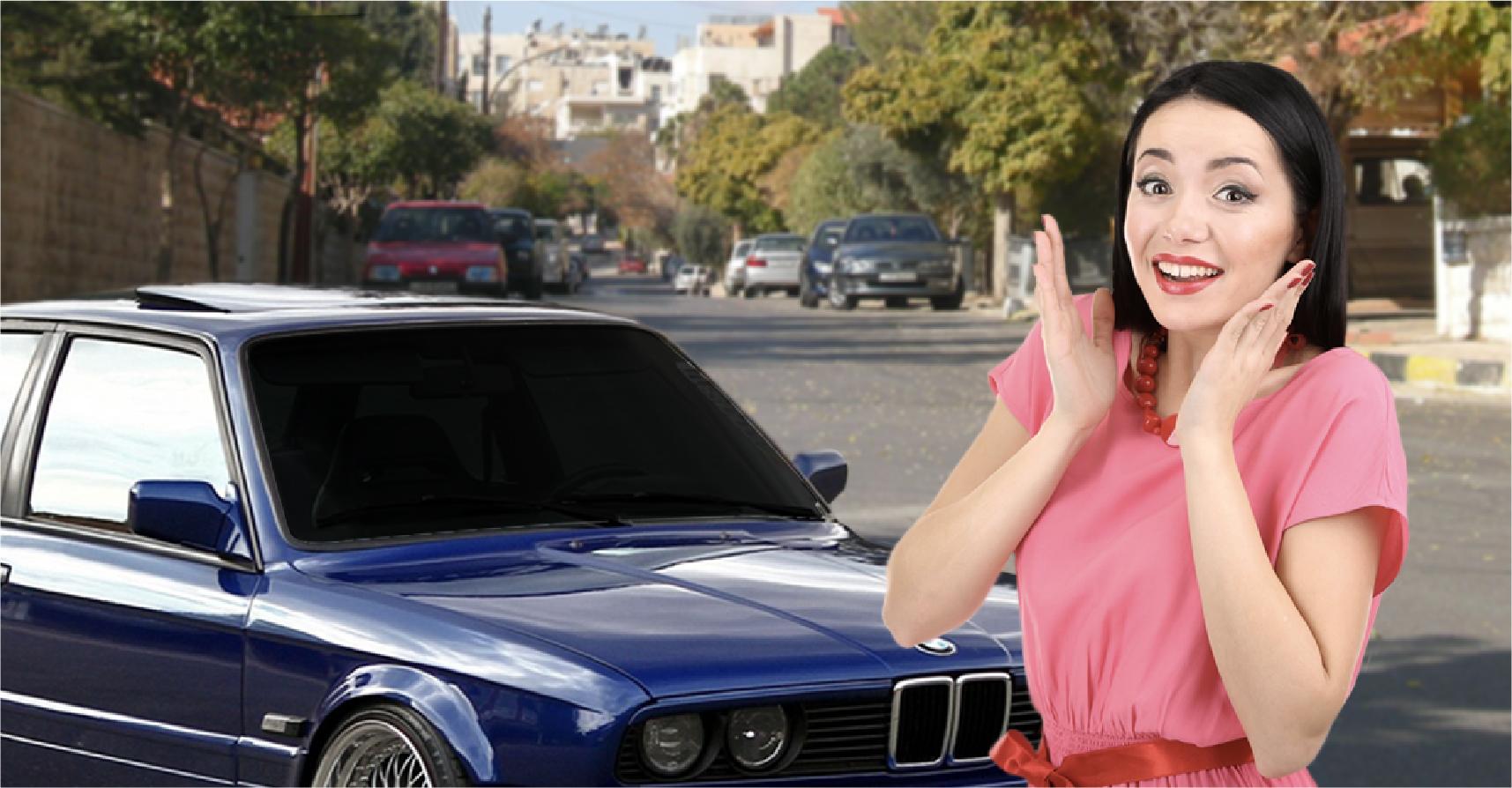 صورة فتاة تقع في حب شاب بعد أن سمعت صوت الموسيقى العالية المنطلقة من سيارته ذات أضواء الزينون