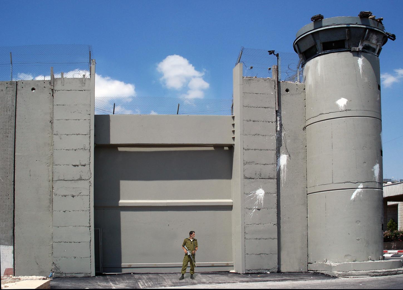 صورة إسرائيل تعلن عن بناء أكبر حاجز في العالم ليتغلّب على أكبر مفتاح عودة في العالم