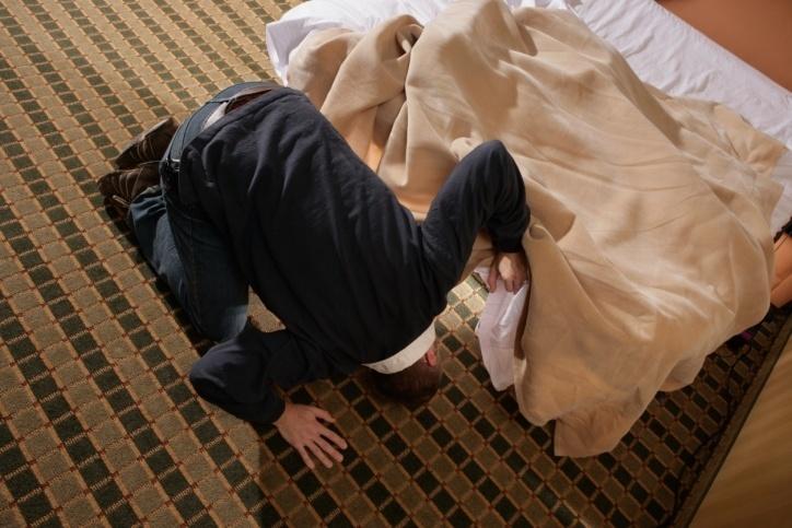 صورة دراسة: المواطن العربي يفني ربع عمره في البحث عن جواربه
