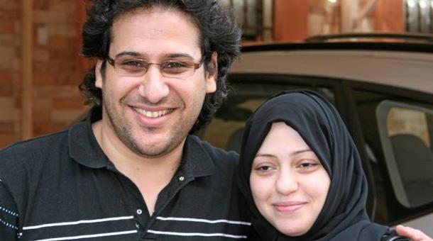 صورة السعودية تبادر للمّ شمل عائلة رائف بدوي بأكملها في السجن