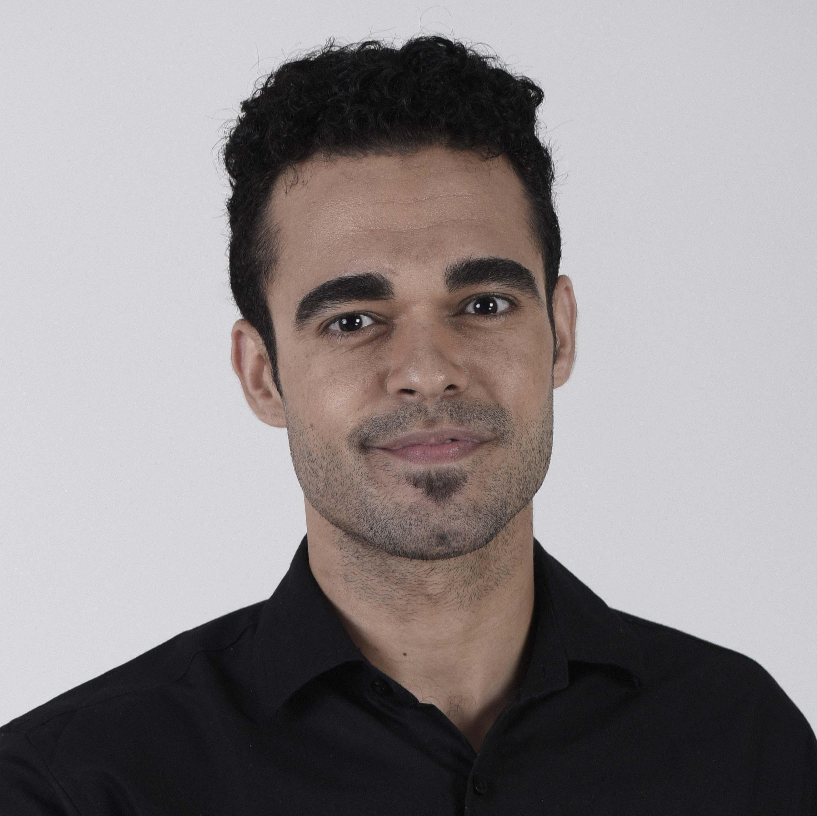 نبيل القفقاهي - يعمل في مؤسسة غير حكومية